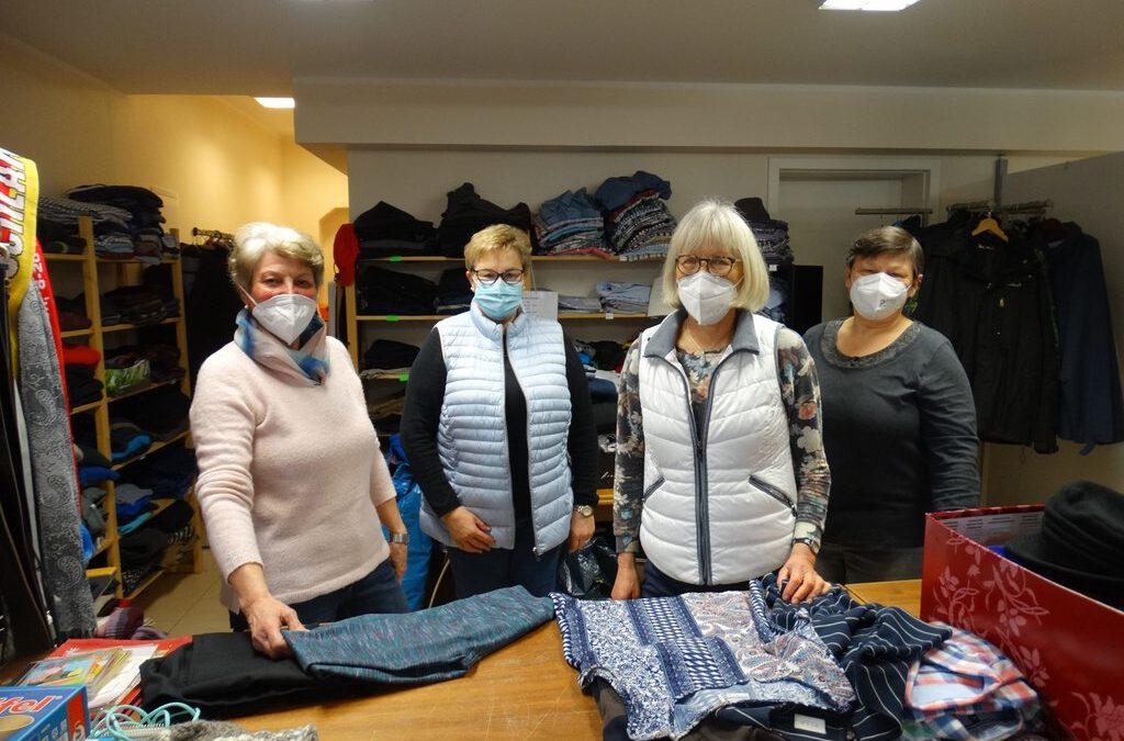 vorerst noch geschlossen, aber: Großer Andrang bei der Warenannahme der Kleiderstube